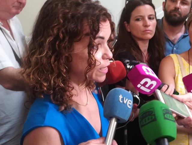 La delegada del Gobierno, Rosario Sánchez, atiende a los medios
