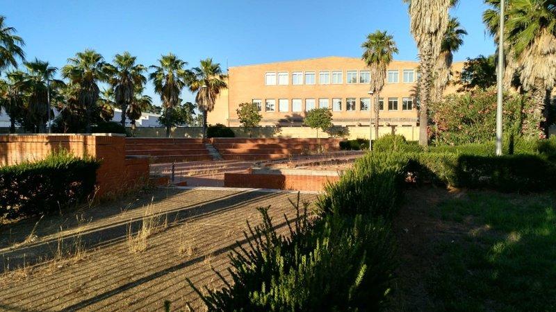 Iu reclama plazos concretos para el acondicionamiento del anfiteatro de jardines de h rcules - Jardines de hercules sevilla ...