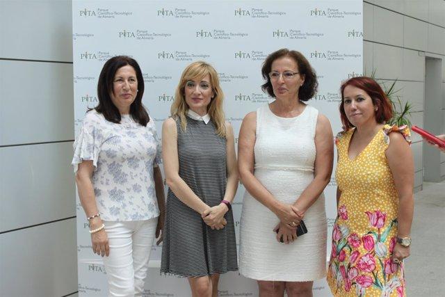 La secretaria de UGT-A, Carmen Castilla, visita el PITA