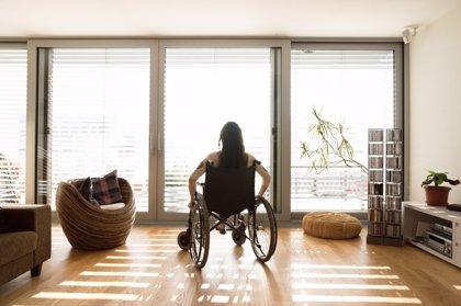 """La secretaria de Estado de Servicios Sociales reclama """"más y mejores medidas"""" en la lucha contra la esclerosis múltiple"""