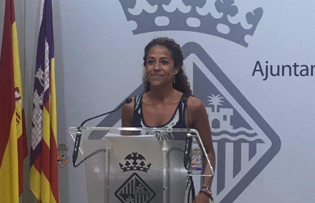 Aurora Jhardi en rueda de prensa