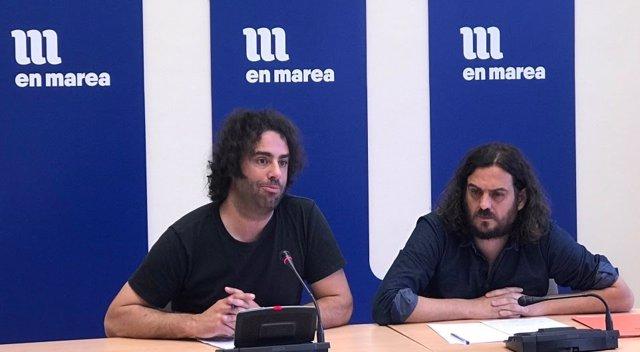 Los diputados de En Marea Davide Rodríguez y Antón Sánchez