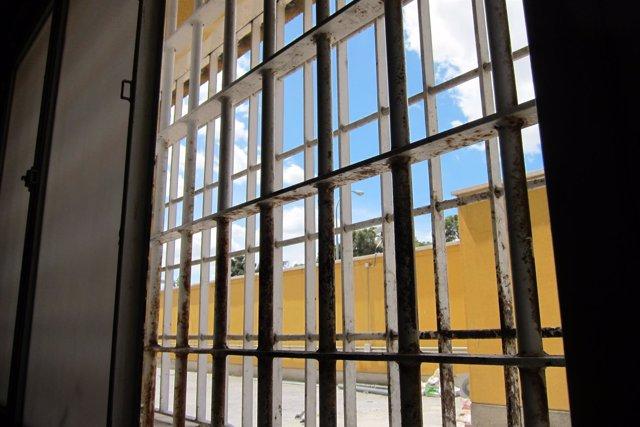 Centro De Internamiento De EXTRANJEROS DE ALUCHE MADRID CIE