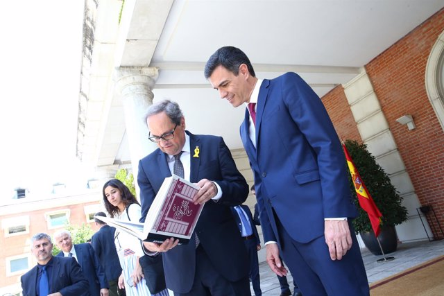 Pedro Sánchez recibe a Quim Torra en La Moncloa