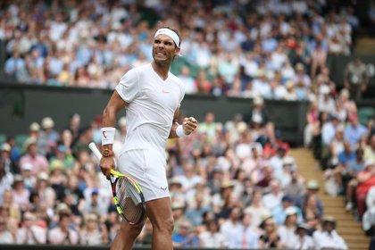 Nadal vuelve a cuartos de Wimbledon siete años después