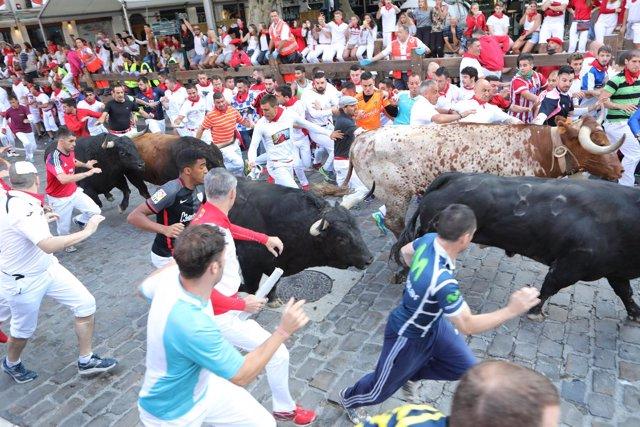 Cuarto encierro de Sanfermines de 2018, con toros de Fuente Ymbro.