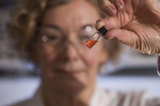 Vial con muestra de los pigmentos obtenidos