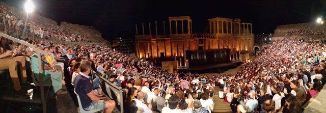 Lleno absoluto en el Teatro Romano de Mérida