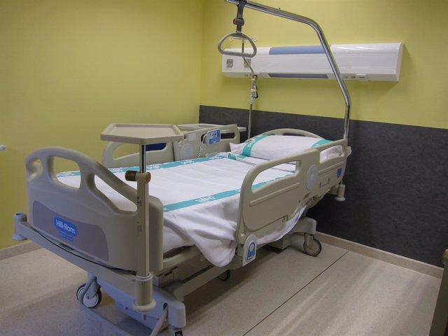 Cama de la habitación de un hospital de Zaragoza