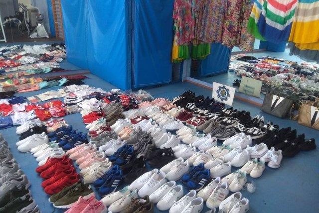 Policía Local de Cartagena decomisa 223 productos falsificados de un almacén