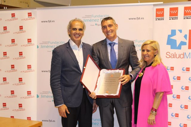 Enrique Ruiz (i), Juan Antonio Álvaro (c) e Irene Navarro
