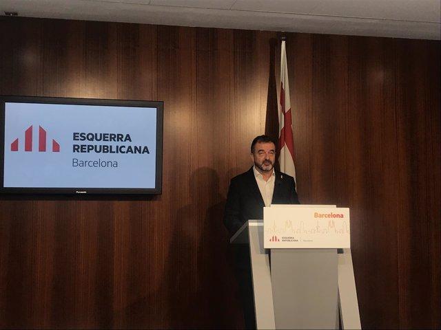 Aldref Bosch (ERC) en una rueda de prensa en el Ayuntamiento de Barcelona