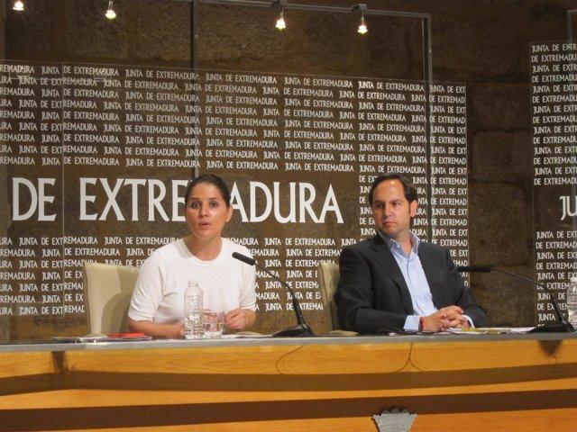La portavoz de la Junta de Extremadura, Isabel Gil Rosiña