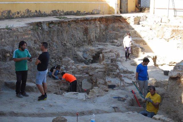 Seminario de arqueología de campo de la UPO en Carmona