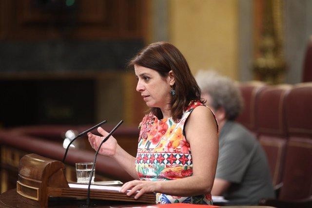 Adriana Lastra, portavoz del PSOE, en la tribuna