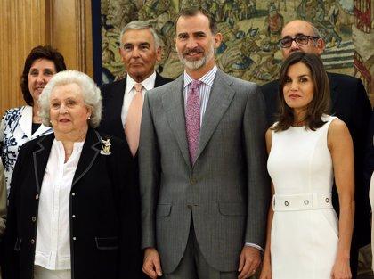 Los Reyes disfrutan de una audiencia diferente con la Infanta Doña Pilar