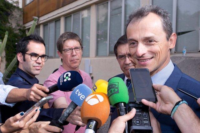 Visita del ministro de Ciencia, Pedro Duque, a la ULL