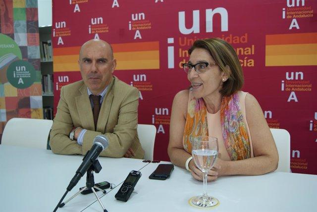 Concepción Sáez y Gregorio Ruiz en los cursos de verano de la UNIA