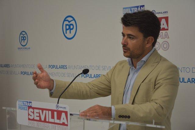 Beltrán Pérez en una rueda de prensa