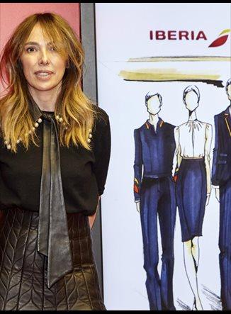 Teresa Helbig diseña los nuevos uniformes de Iberia
