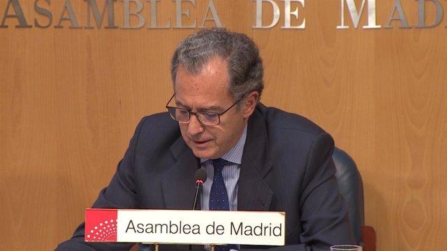 Enrique Ossorio, portavoz del PP en la Asamblea de Madrid, en rueda de prensa