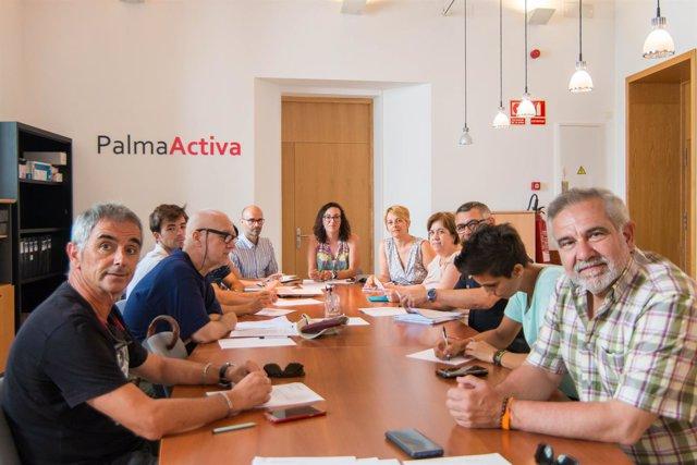 Reunión del Consejo Municipal de Comercio sin las patronales