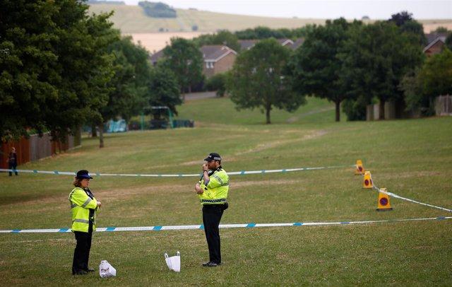 Policías en una zona acordonada de Amesbury