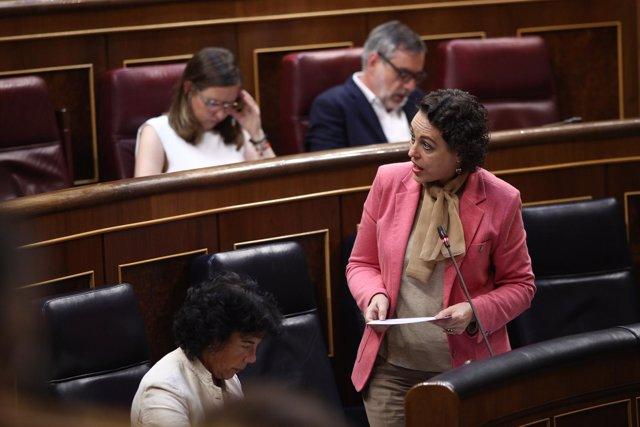 Magdalena Valerio, ministra de Trabajo , en la sesión de control