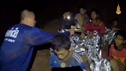 Los Mineros De Chile Recomiendan Cautela A Los Niños