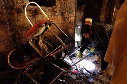 Aumentan a 20 los muertos en un atentado de los talibán paquistaníes contra un mitin en Peshawar