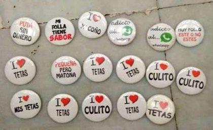 La Policía Foral confisca chapas en Pamplona con mensajes machistas