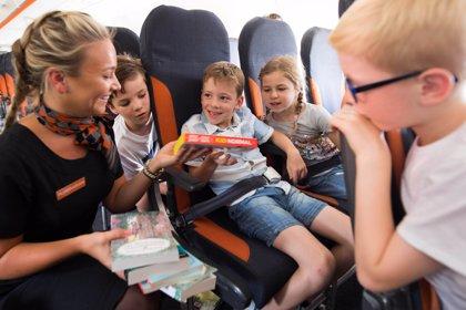 easyJet incorpora 300 bibliotecas con literatura infantil a bordo de sus aviones