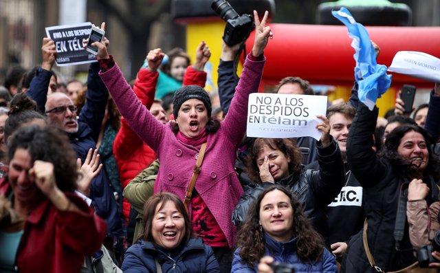 Protestas en Buenos Aires por los despidos de Télam