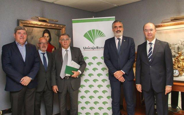 Acuerdo unicaja con aehcos, aedav y aeplayas turismo sector financiación