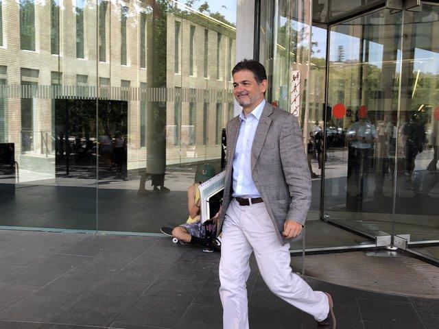 Oriol Pujol sale de la Ciudad de la Justicia