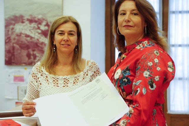 Teresa Ruiz Sillero y Carmen Crespo.