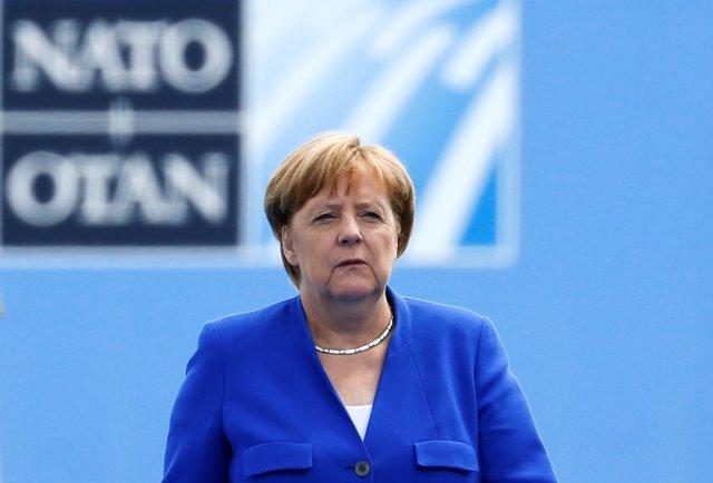 Angela Merkel en la cumbre de la OTAN