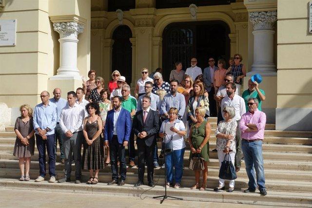 Homenaje víctimas terrorismo Málaga corporación municipal Ayuntamiento