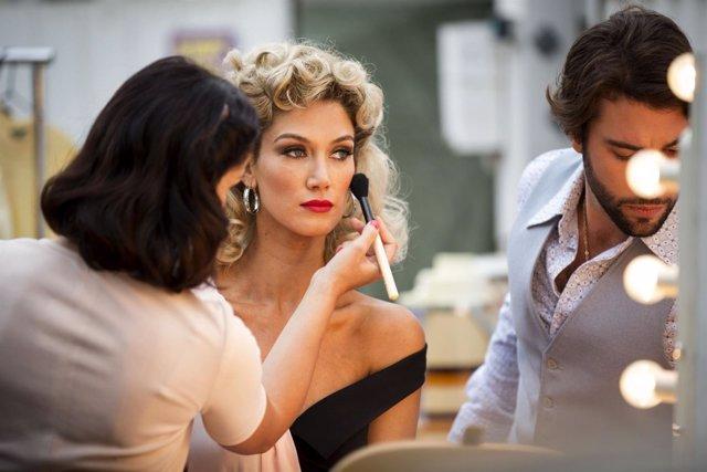 Delta Goodrem en su papel de Olivia Newton-John
