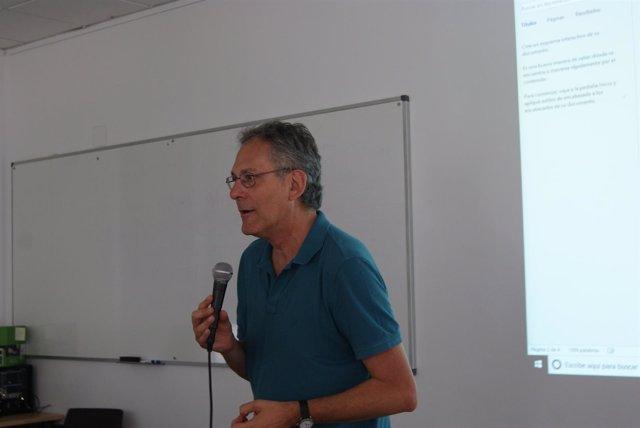 Eduardo Jordá en los cursos de verano de la UNIA
