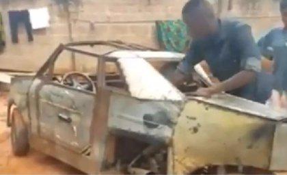 En Nigeria y sin muchos recursos, un joven estudiante construye un vehículo de tres ruedas desde cero