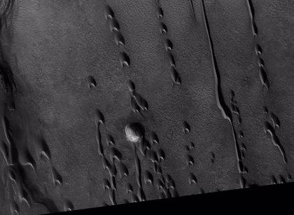 Dunas fantasma gigantes proliferan en la superficie de Marte