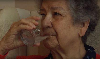 El 77% de los mayores reconoce que no bebe la cantidad de líquidos suficientes