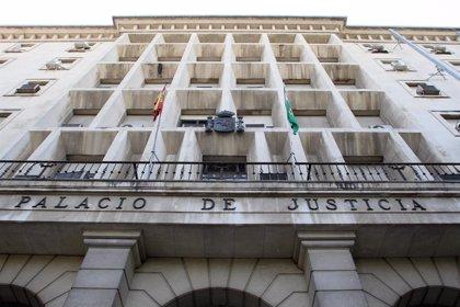 Acusado de matar a su padre de 117 puñaladas en Sevilla muestra su arrepentimiento en el uso de la última palabra