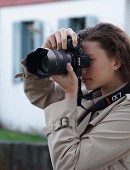 Fotógrada con cámara de Sony