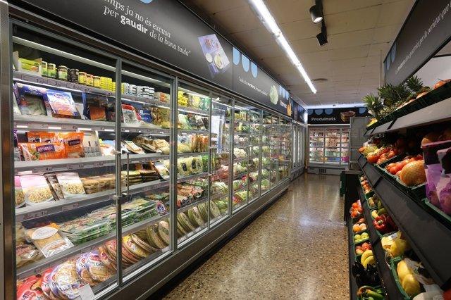 Interior de un supermercado de Caprabo