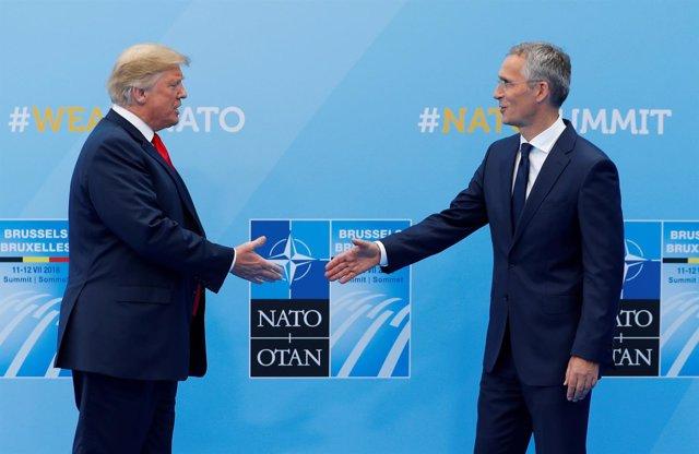 Trump y Stoltenberg durante la cumbre de la OTAN en Bruselas