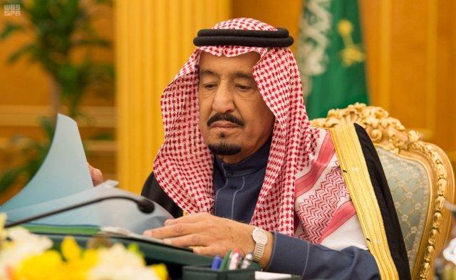 El rey Salman bin Abdulaziz Al Saud de Arabia Saudí