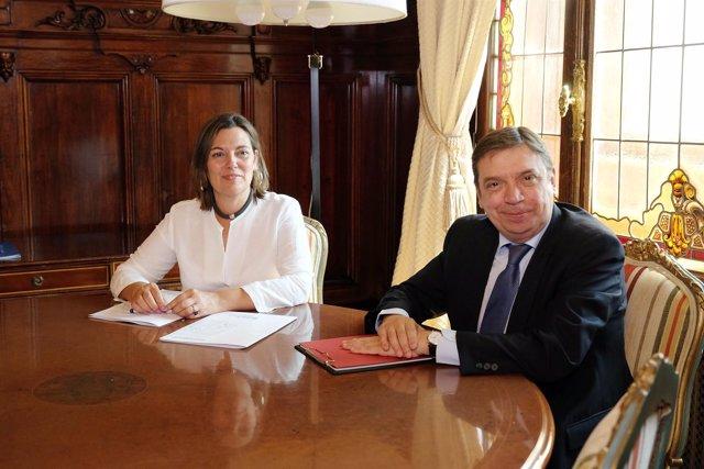 Milagros Marcos con el ministro Luis Planas