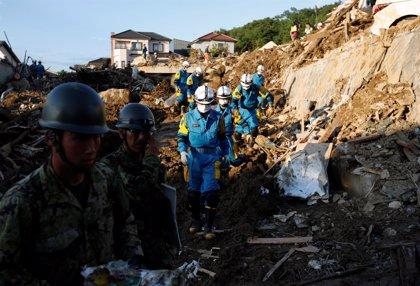 Las lluvias torrenciales de Japón dejan ya casi 200 muertos mientras miles de personas luchan contra la escasez de agua